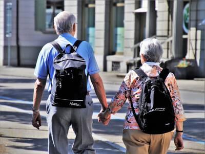 Vous avez plus de 50 ans ? Il est encore temps d'acheter un bien immobilier !